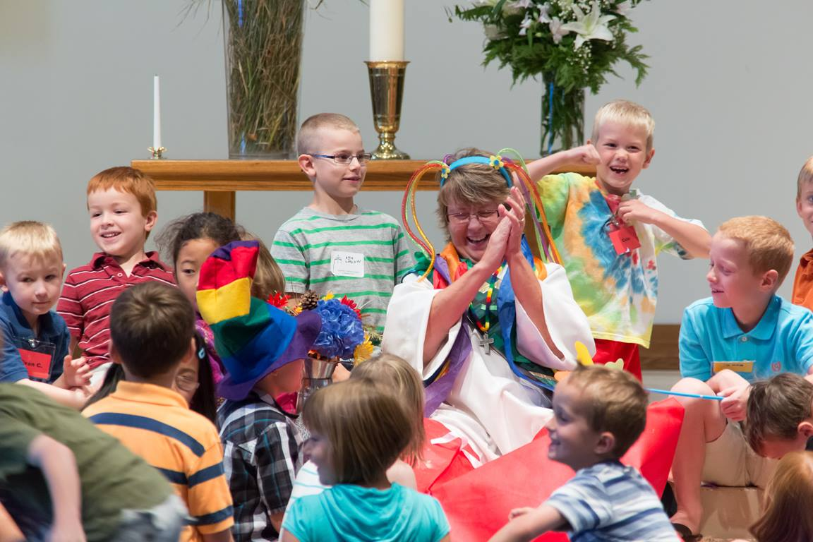 The Rev. Cindy Yanchury leads children's time at Advent United Methodist Church. Image by Michael McGuire.