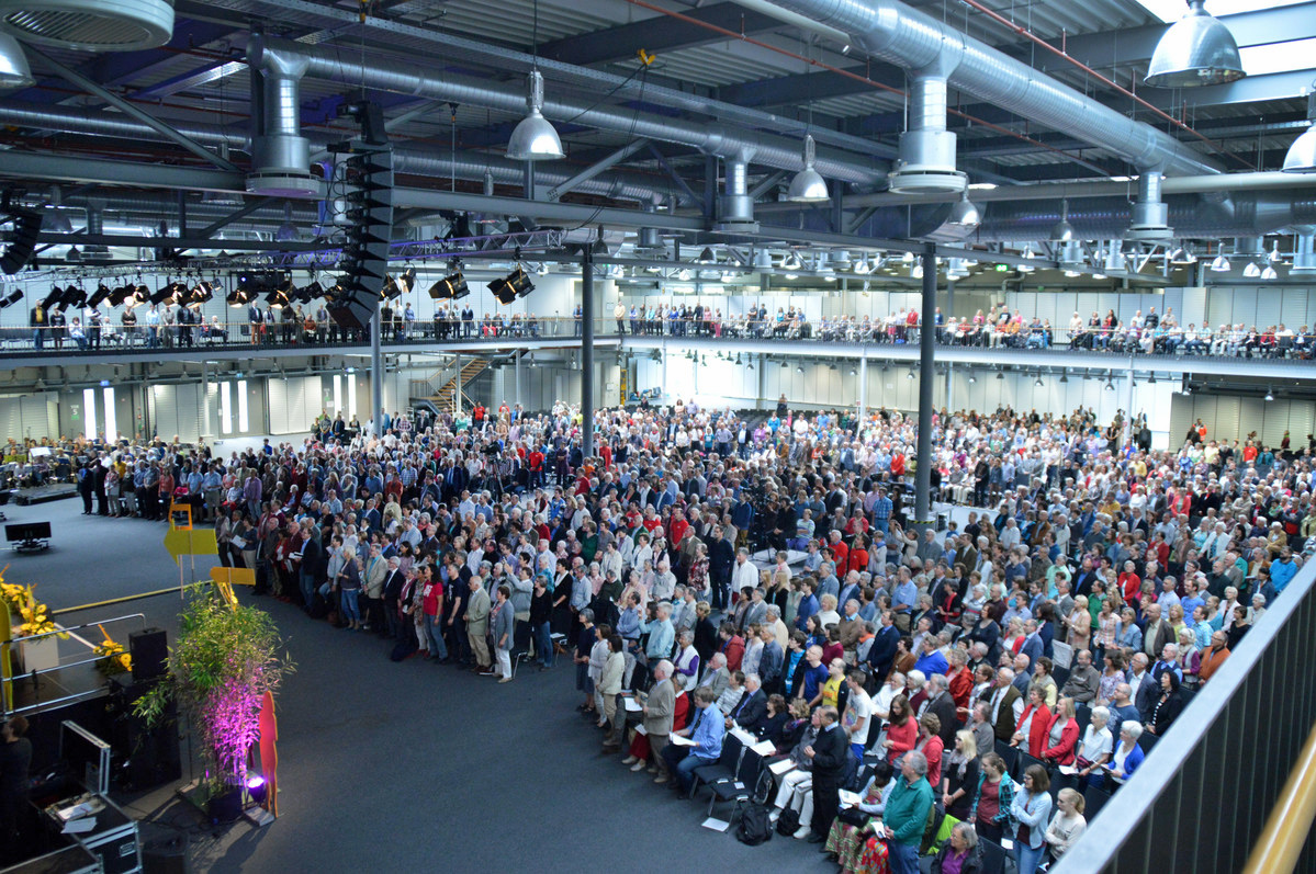 Ordination services are typically hosted by annual conferences around their yearly gatherings, like this service of the Germany South Annual Conference in 2015. Photo by Klaus Ulrich Ruof, Germany.