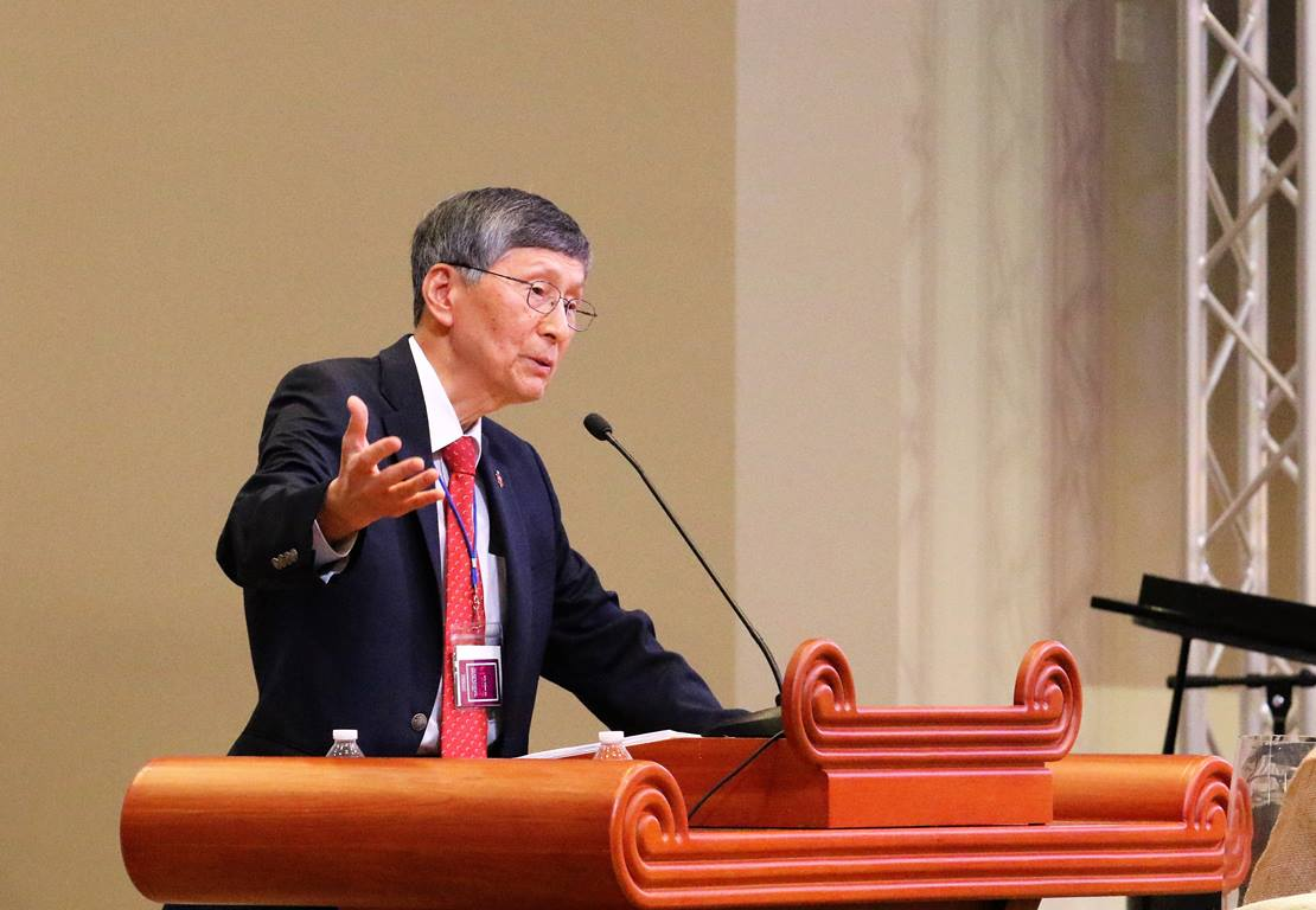 조영진 감독이 2019년 한인총회에서 특강을 하고 있다. 사진 김응선 목사, UMNS.