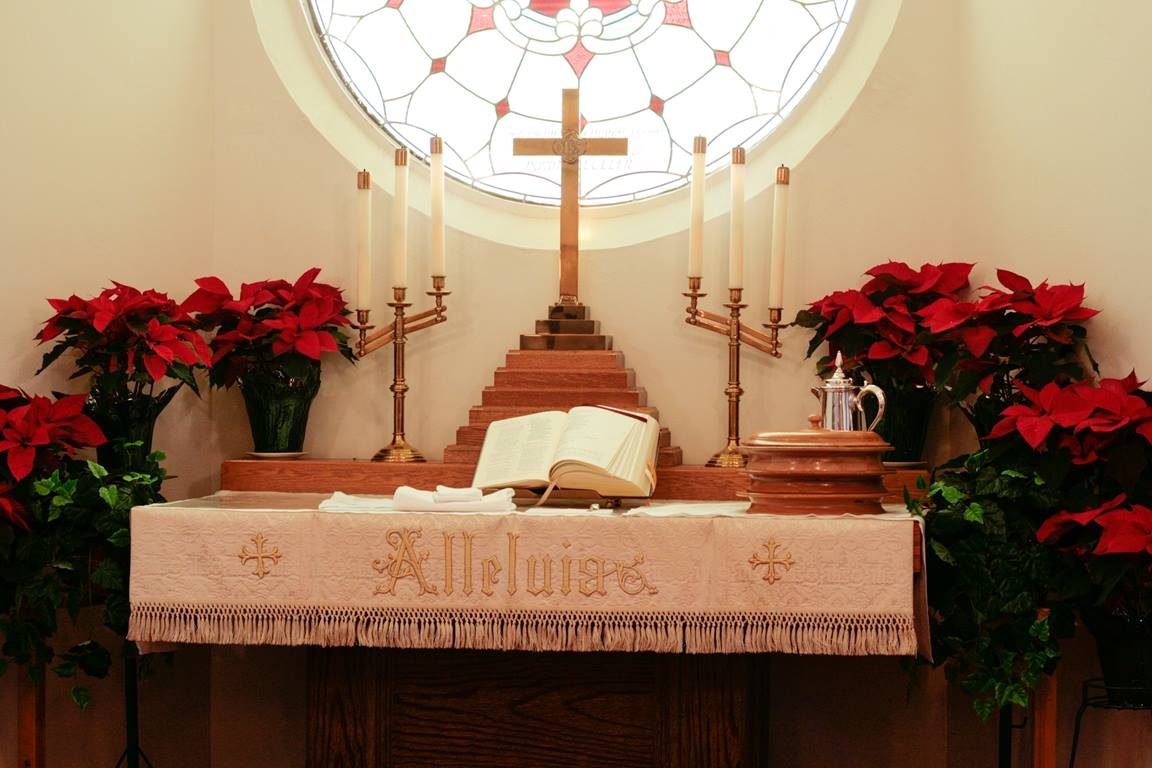 These suggestions will help you extend hospitality to your Christmas Eve visitors, particularly those who are not regular worship attenders. Photo by Elisa Schultz, Lightstock.com.