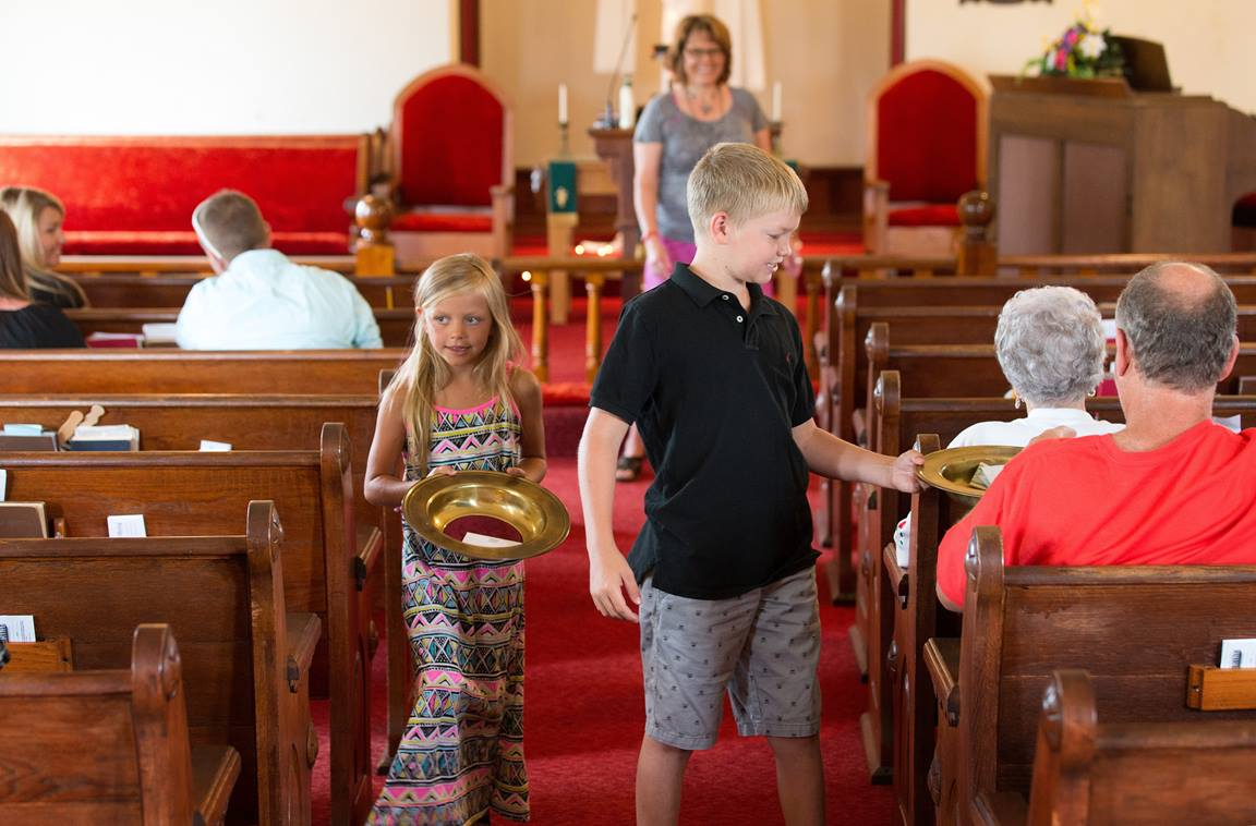 Get tips and techniques to take the best photos of your church — photos that will welcome people before they ever set foot in the doors. Photo by Mike DuBose, UMNS.