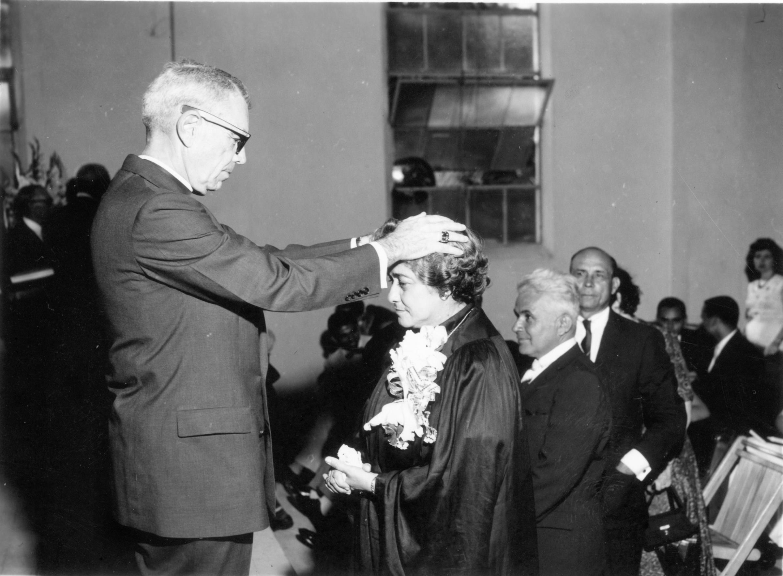 Comisión de Julia Torres Fernández. Foto cortesía de la Comisión General de Archivos e Historia.
