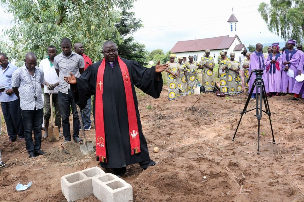 Bishop John Wesley Yohanna speaks after ceremoniously laying two foundation blocks for Grace Radio in Jalingo, the capital city of Taraba State in northeastern Nigeria. The project is an initiative of The United Methodist Church in Nigeria in partnership with United Methodist Communications and the United Methodist Radio Network. (Photo by the Rev. Ande I. Emmanuel, UM News)