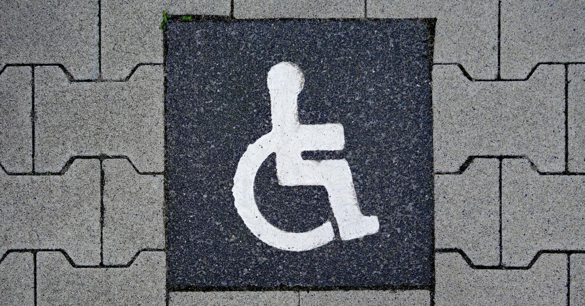 장애인 주차 구역. 사진: 스테파니 알버트, 픽셀스.
