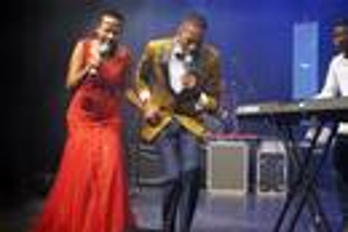 Loice Namatai Chinyerere (left) and Taziwa Brian Mbwizhu sing during the launch of their album at 7 Arts Avondale, a music venue in Harare, Zimbabwe. Photo by Kudzai Chingwe, UM News.