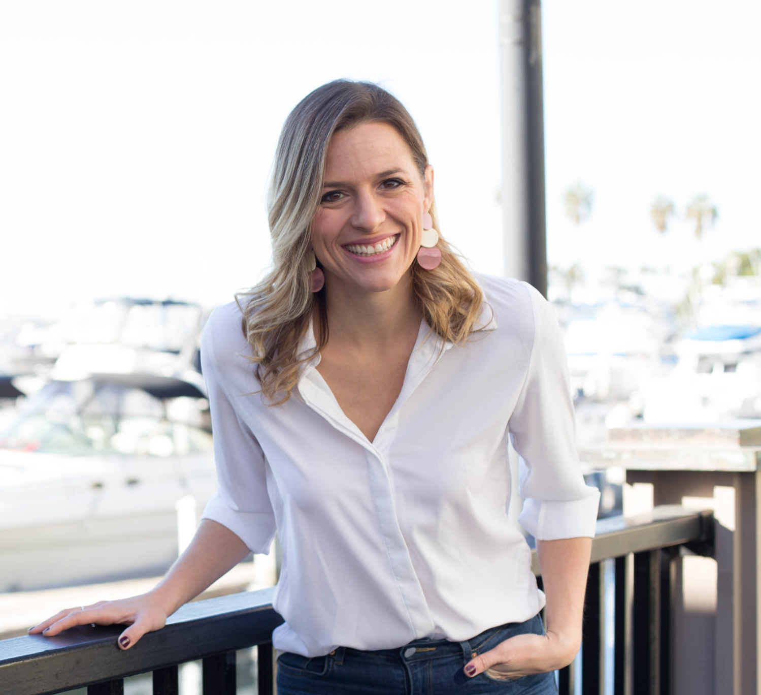Dana Malstaff is the founder of Boss Mom. She helps other mothers raise babies and businesses offering resources and a support system. A big part of boss mom's support system is digital engagement in a Facebook group. Dana wrote the book boss mom, back in 2015, she is a master content strategists podcast, or speaker coach, as well as being mom and CEO. Image courtesy of Dana Malstaff.