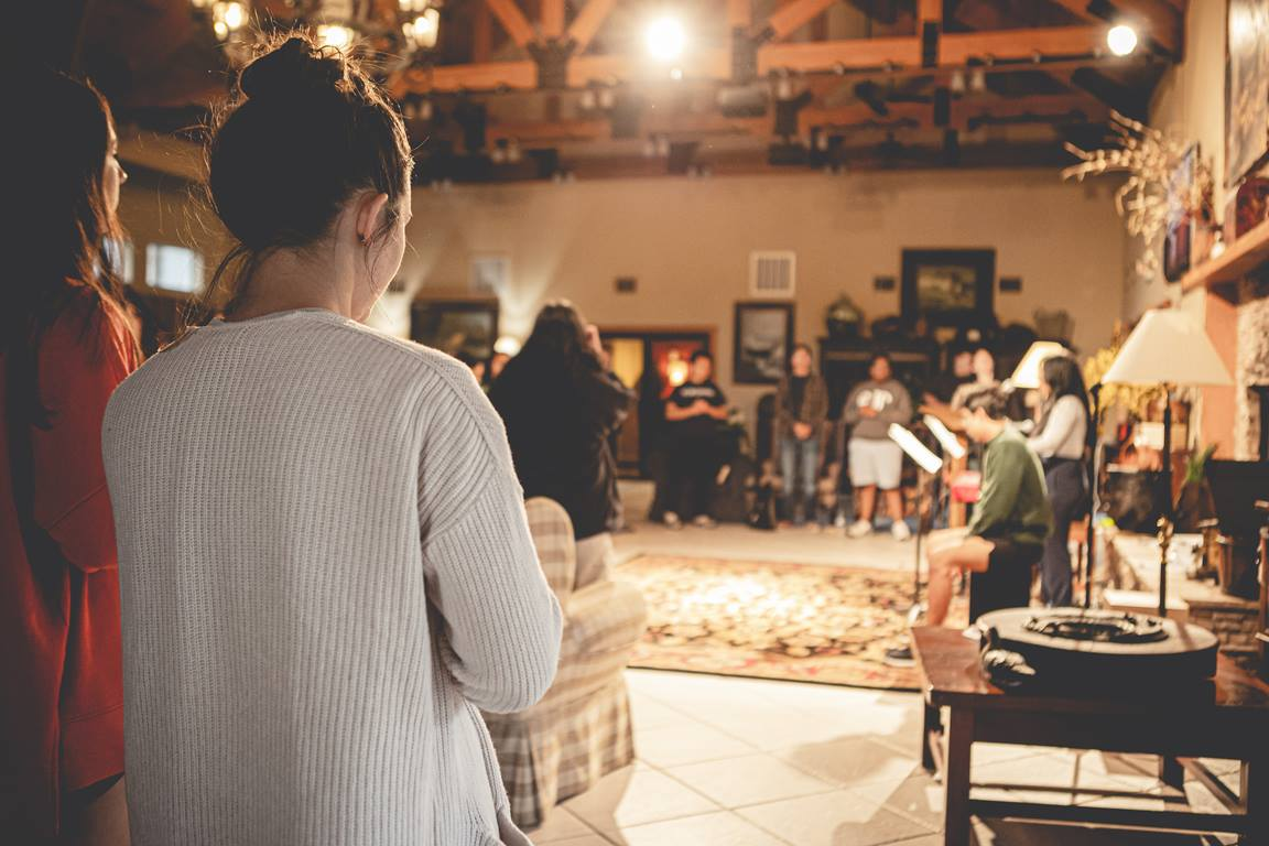 More and more churches are transitioning to hybrid gatherings for small-group studies and Sunday school. With some good planning, you can ensure that these gatherings become great experiences for those attending online as well as in person. Photo by Terrance Hurst courtesy of Unsplash.